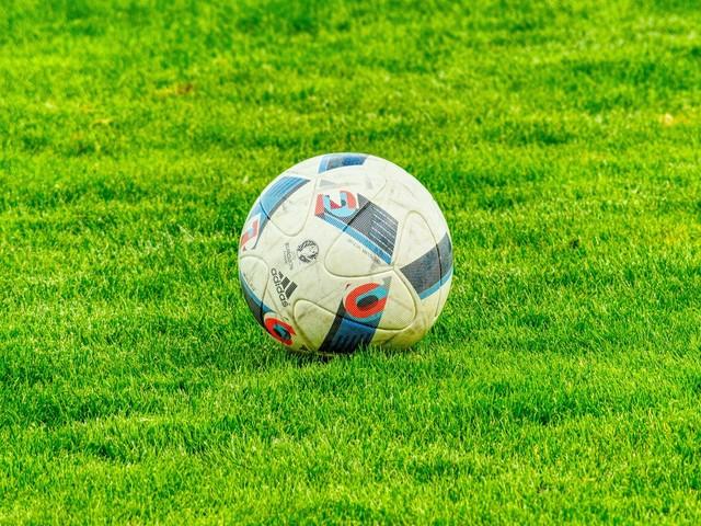 Women's footie team appeals for sponsors