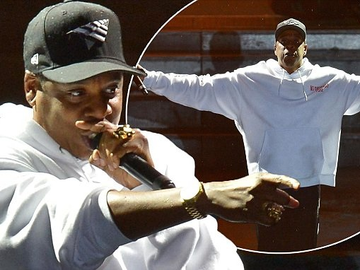 Jay-Z scolds spoilsport security at V-Festival