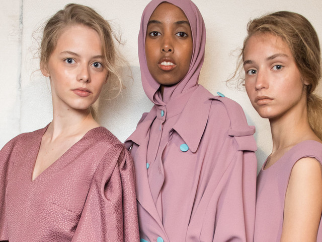The Hijab At London Fashion Week: Edeline Lee Shows How Modest Fashion Fits Into Summer 18 Trends