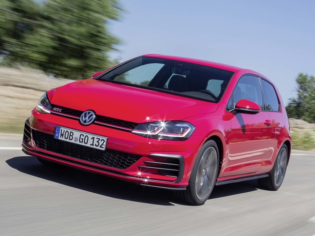 New Volkswagen Golf to head upmarket and pack advanced tech