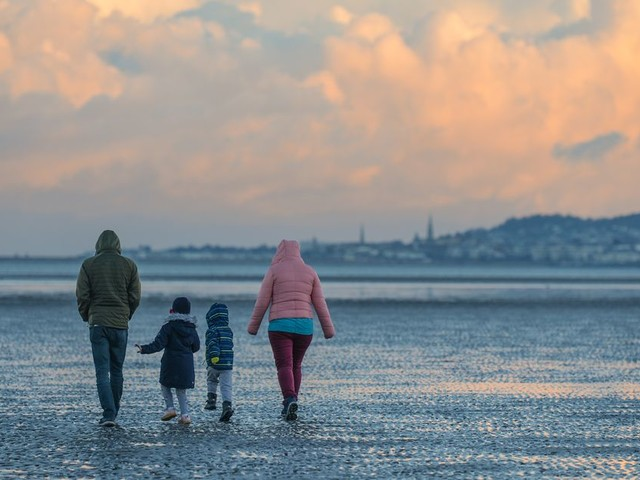 Ireland weather: Met Eireann forecast heavy rain as expert predicts cold snap on the way