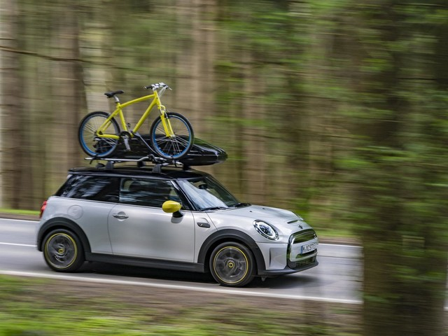 You can now add MINI Accessories to your electric Cooper SE