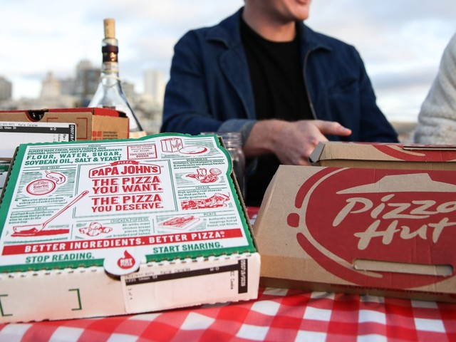 We taste tested popular menu items at Papa John's and Pizza Hut, and while Pizza Hut was a winner in certain areas, it lost to Papa John's overall