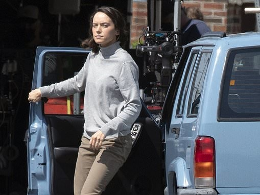 Daisy Ridley cuts a casual figure as she films scenes forThe Marsh King's Daughter in Canada