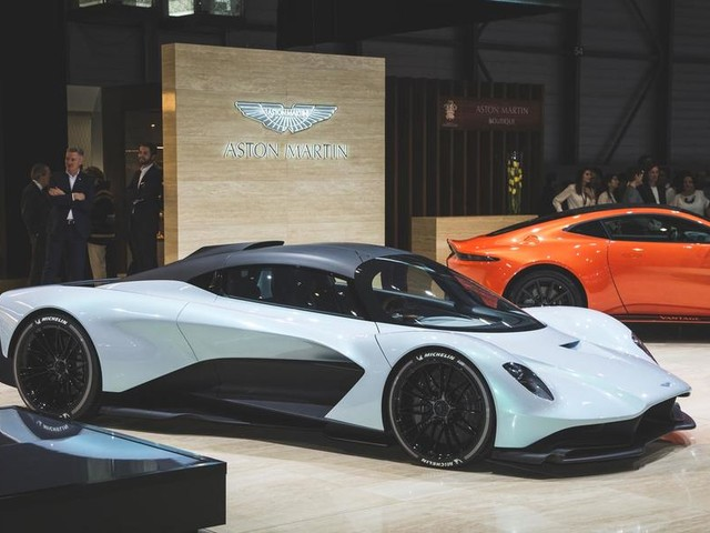 Aston Martin AM-RB 003 hypercar unveiled at Geneva