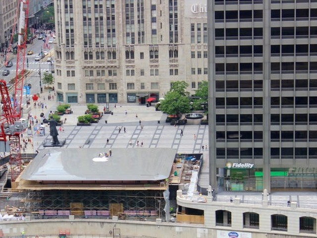 Upcoming Apple Store in Chicago Features MacBook Roof Design
