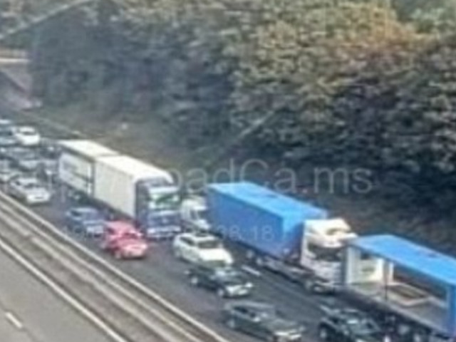 M1 Traffic Brought To A Standstill After Suspicious Package Found