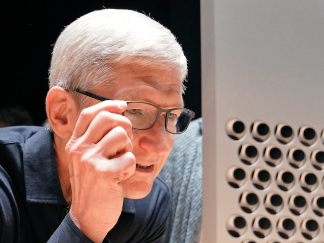 Apple quietly laid the groundwork for a pair of smart glasses at its biggest conference of the year (AAPL)