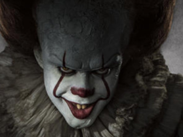 Some Guy Secretly Edited Pennywise Into His Sister's Engagement Pics