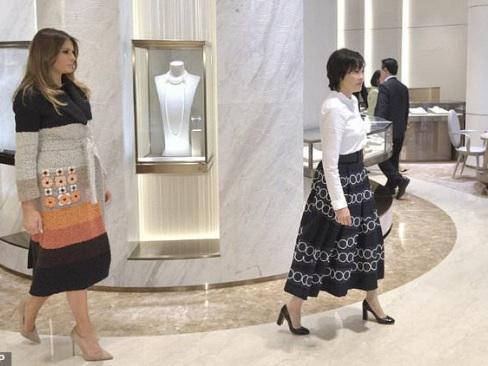 Melania Trump in glitzy Tokyo pearl visit