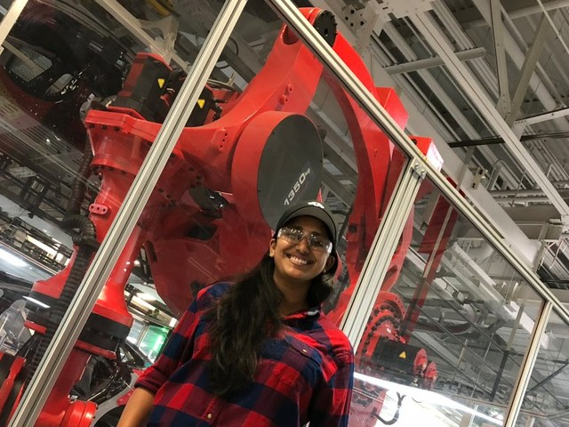 A Tesla employee who builds robots told us why production hell is actually a good thing (TSLA)