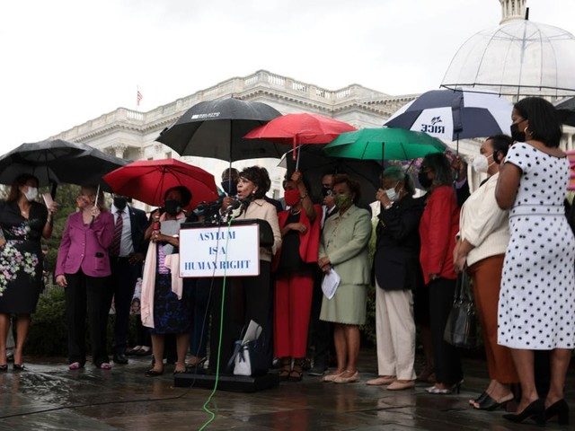 Maxine Waters says treatment of Haitians at Texas border is worse than slavery