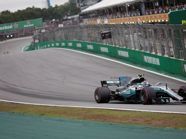 Brazilian Grand Prix LIVE: Updates from Interlagos as F1 world champion Lewis Hamilton starts from the pitlane