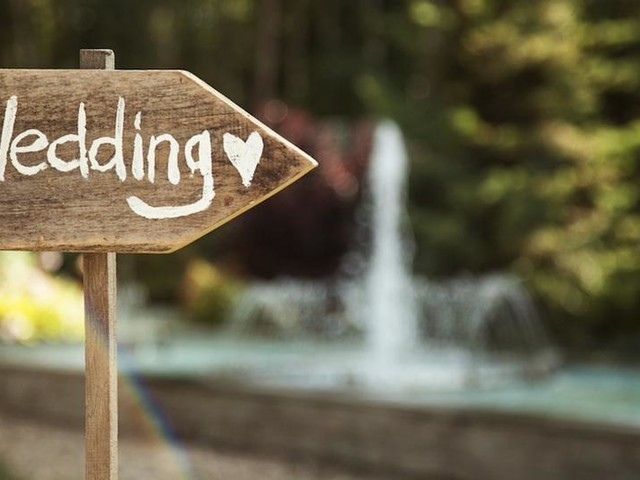 10 Tips on How to Find Affordable Wedding Vendors