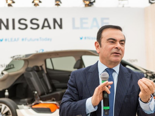 Carlos Ghosn: Renault to investigate payments for wedding