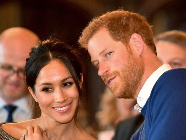 Prince Harry and Meghan Markle to lose titles and royal funds as Buckingham Palace issues bombshell statement