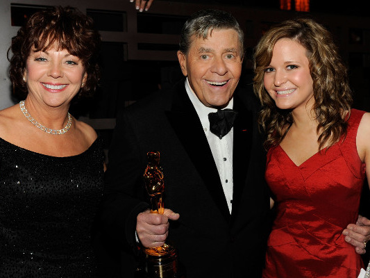 Jerry Lewis' Wife, Sandee Pitnick: Wiki, Age, Children, & 4 Facts to Know