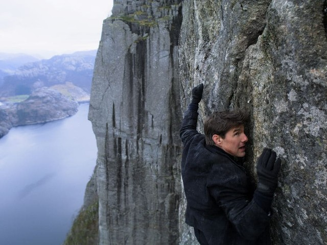 'Mission: Impossible 7' Halts Production for 2 Weeks After Positive Coronavirus Test