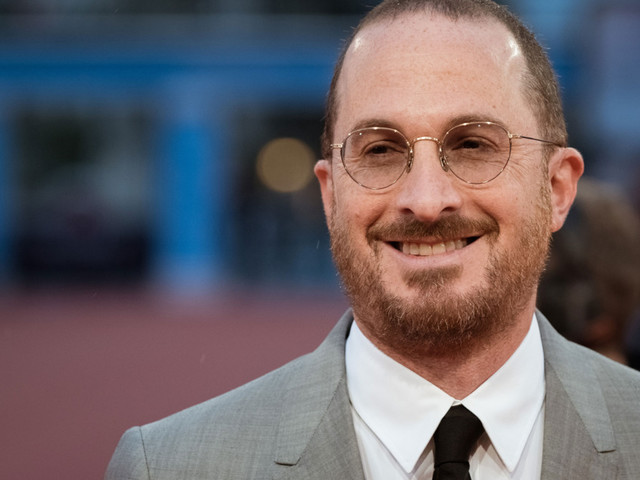 If You Trust a Man Who Wears Scarves, Darren Aronofsky Says Mother! Is a Good Date Movie