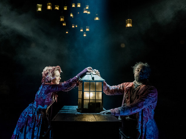 Mince Pies Come Included At The Old Vic's A Christmas Carol