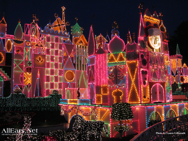 Disneyland Debuts a Trio of Festive Scents for 'it's a small world' Holiday!