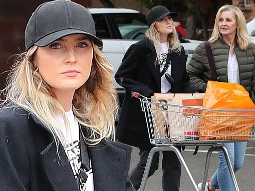 Little Mix's Perrie Edwards keeps things casual as she heads on a low-key supermarket run
