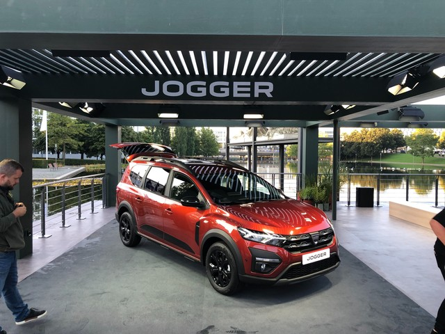 New 2022 Dacia Jogger handed first public showing at Munich