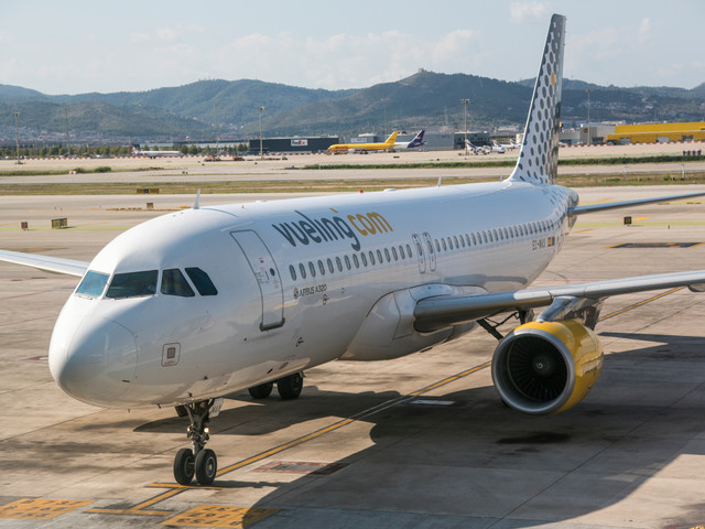 Vueling, Thomas Cook and Wizz Air are most delayed UK airlines