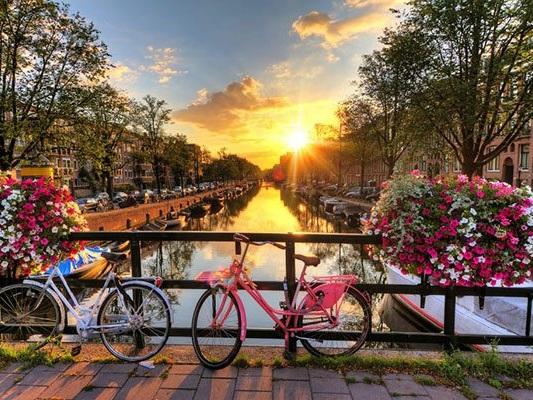 15-Day Splendors of Europe – Amsterdam to Budapest