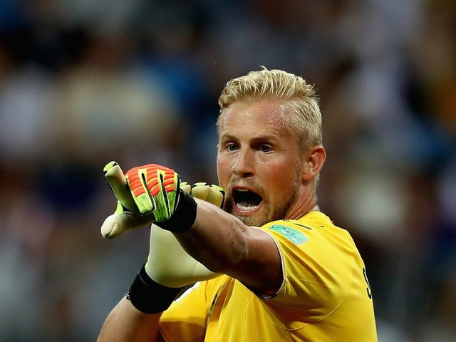 Leicester City dismiss speculation linking Kasper Schmeichel to Chelsea
