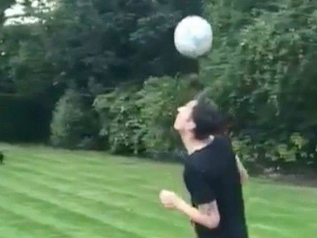 Fit Mesut Ozil shows off his freestyles skills in back garden ahead of Arsenal's clash against Watford