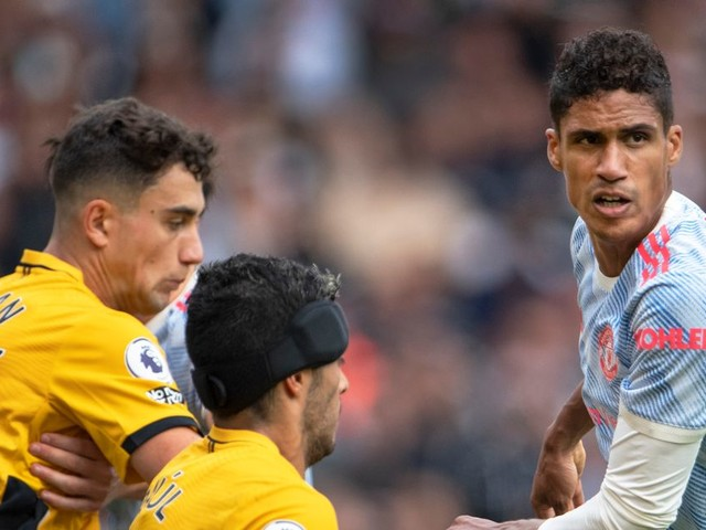 William Gallas explains why Man United's Raphael Varane is in 'a different class' to Ben White