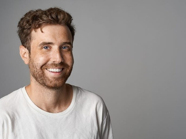 The cofounder of an online fashion startup only runs his business a couple of hours a week while working full time. Here are the 2 strategies that helped him optimize his company into a successful side gig.