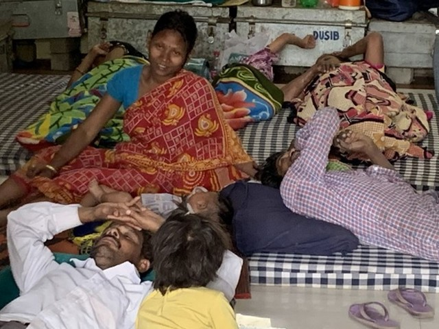 India's workforce left stranded after coronavirus lockdown