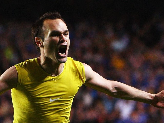 Azpilicueta on Iniesta's history-changing goal, how to stop Messi, Hazard's importance