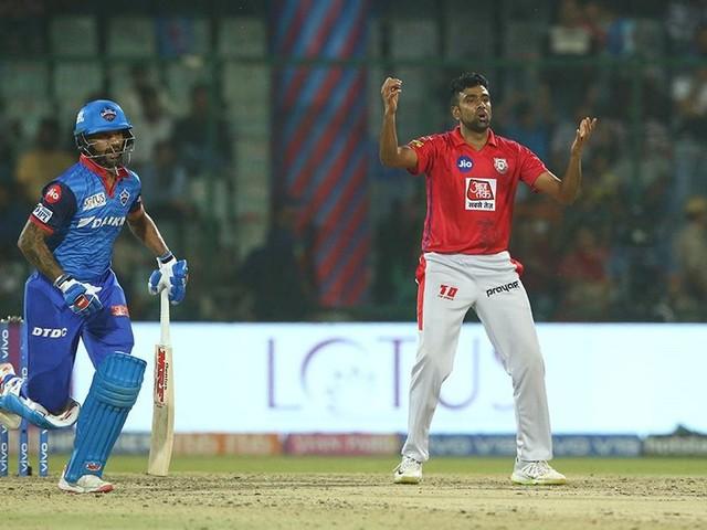 Shikhar Dhawan Taunts Ravichandran Ashwin Over Mankad