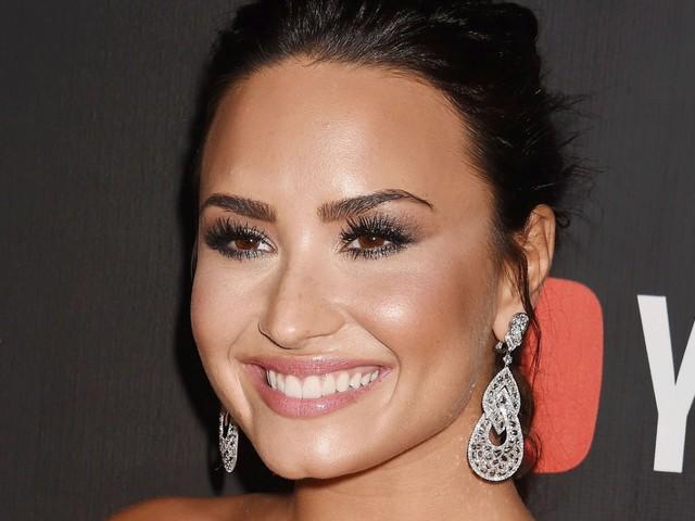 Bombshell! Demi Lovato Reveals She's Open To Dating Women