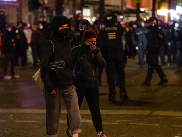 Berlin police slam 'unacceptable' May Day violence