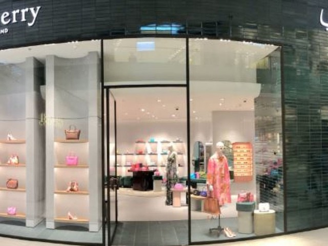 Mulberry swings to loss as UK and investment hit bottom line