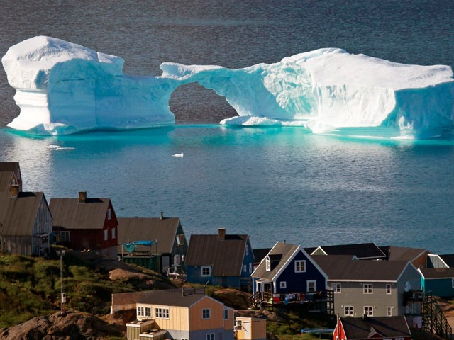 Sea levels are projected to rise 3 feet within 80 years, according to a new UN report. Hundreds of millions of people could be displaced.