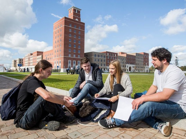 University students asked to get Covid jabs before September