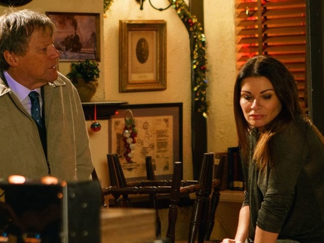 Coronation Street fans 'overwhelmed' after Roy's emotional confession about Carla
