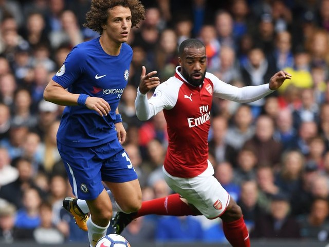 Fractured wrist adds to David Luiz's troubles from Arsenal draw