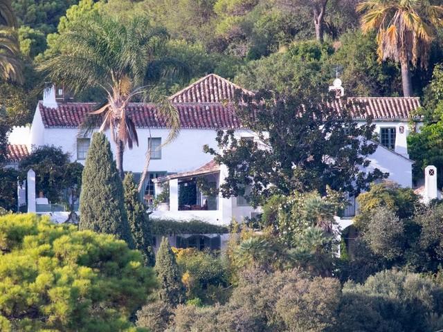 Inside Boris Johnson's holiday villa owned by his rich chum Zac Goldsmith