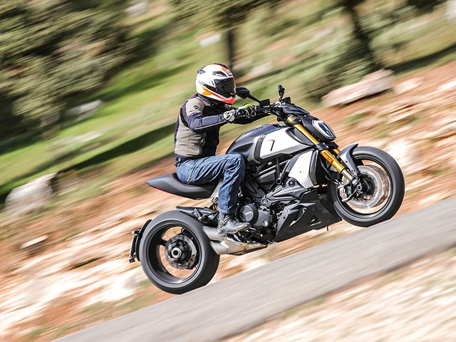 Review: 2019 Ducati Diavel 1260 S review, test ride