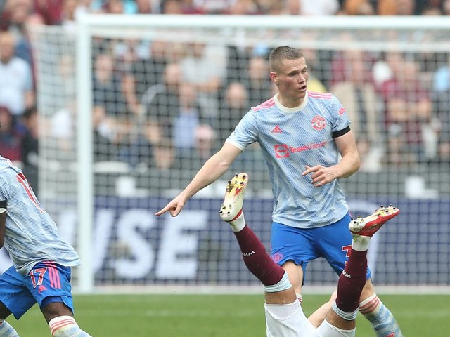 Manchester United admit issue with midfield dynamic in West Ham win