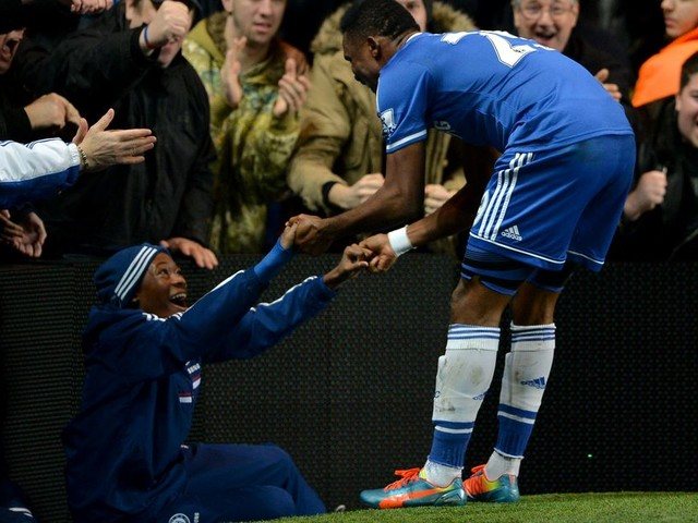 That time Eto'o celebrated a hat-trick against Manchester United with a 13-year-old Hudson-Odoi