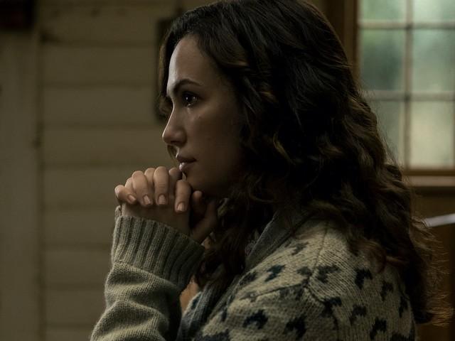 'Midnight Mass' Star Kate Siegel on Erin's 'I Am That I Am' Speech and That 'Terrifying' Finale Battle