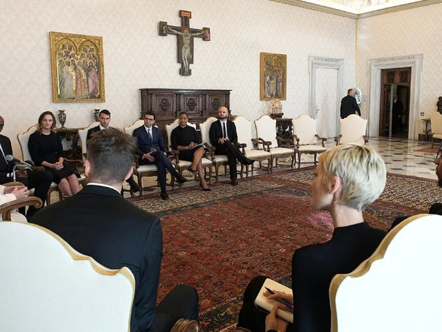 Pope Francis met with 5 players from the NBA to discuss social and economic injustice