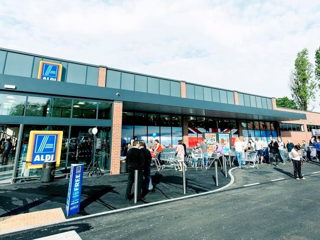 Aldi launch self service tills - so you don't have to keep up with the cashier